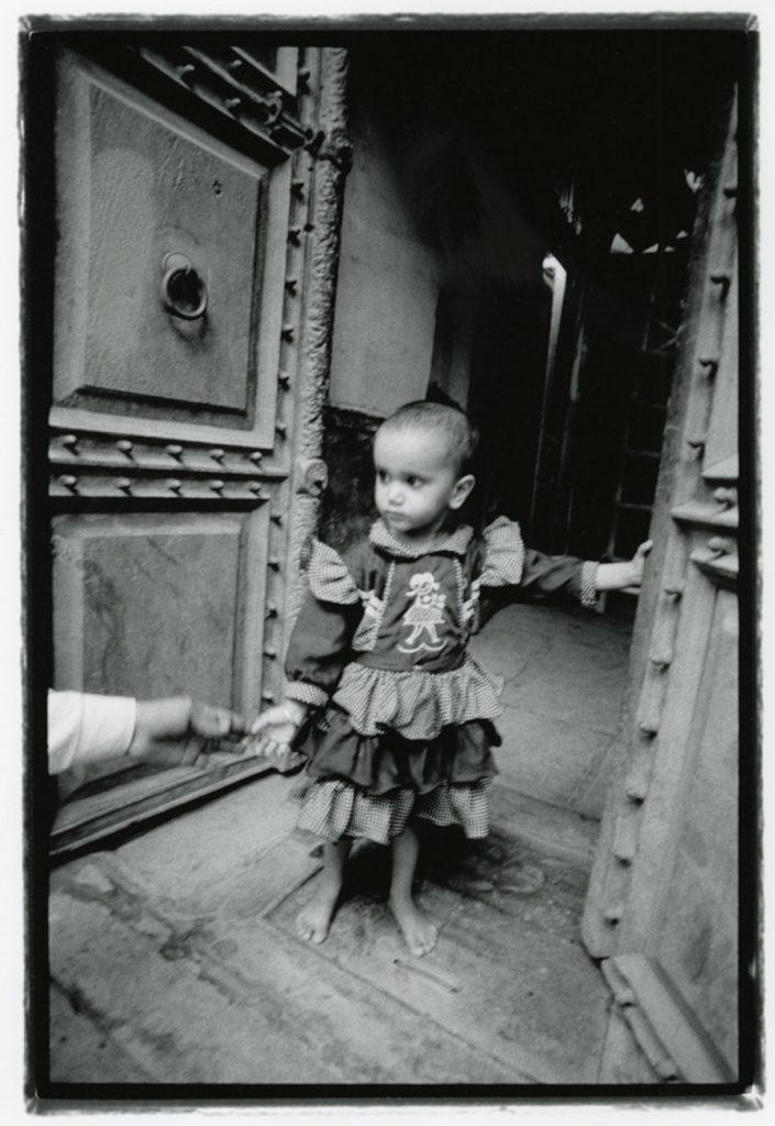 be A Child Girl india photo Yannick RIBEAUT