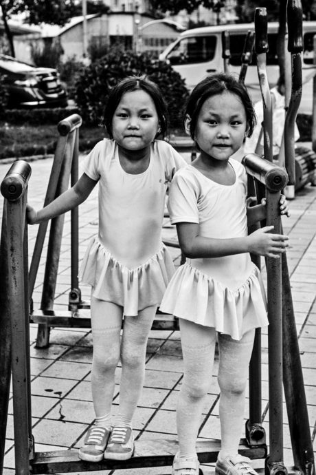 be A Child Twins China photo Yannick RIBEAUT