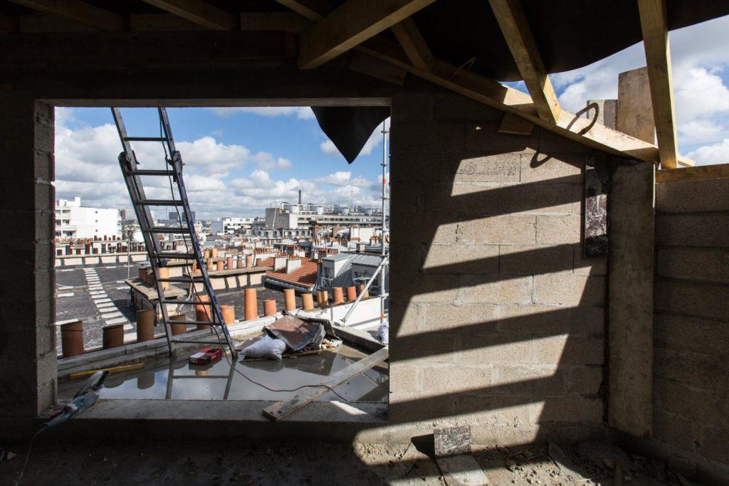 photographie de chantier sur les toits de Paris